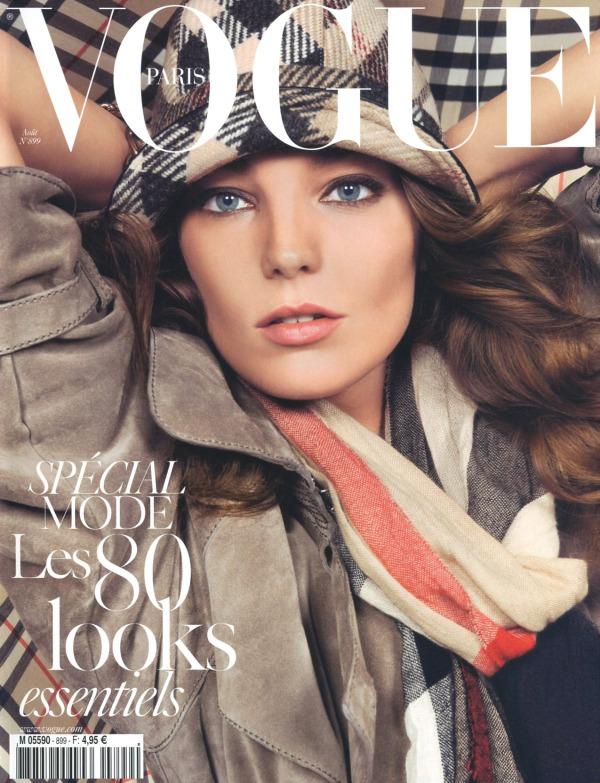 24503_2009_08_Vogue_Fr_001_-_Daria_Werbowy_122_137lo