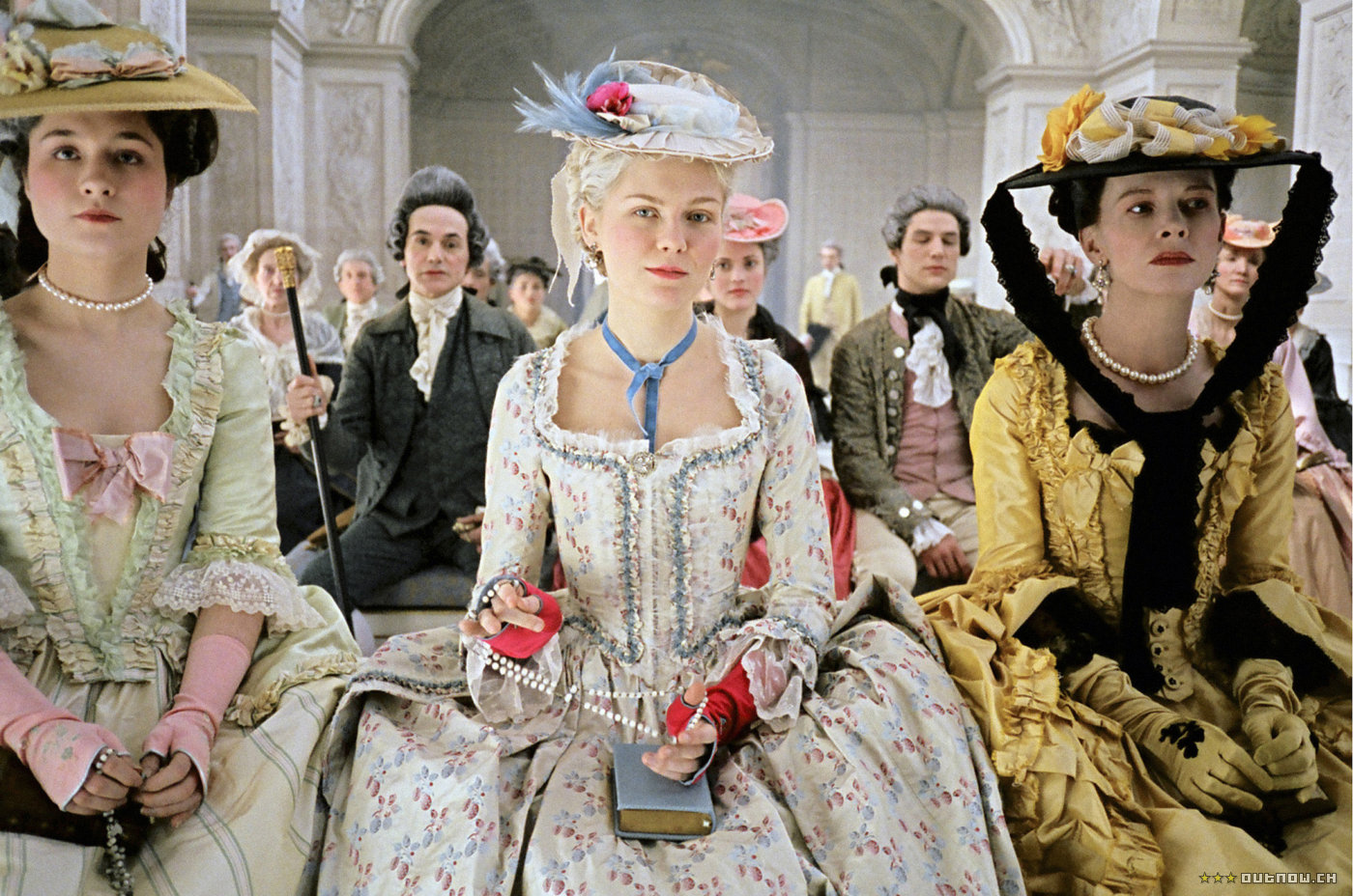 http://heycrazy.files.wordpress.com/2009/08/marie_antoinette_screen1_large.jpg