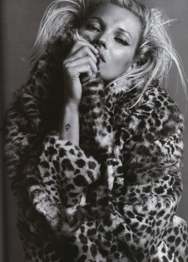 Kate Moss in Isabel Marant Autumn/Winter 2009 collection leopard print fur coat
