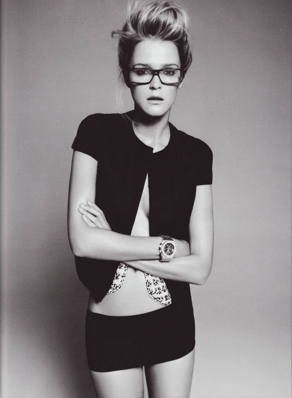 Model Carmen Kass