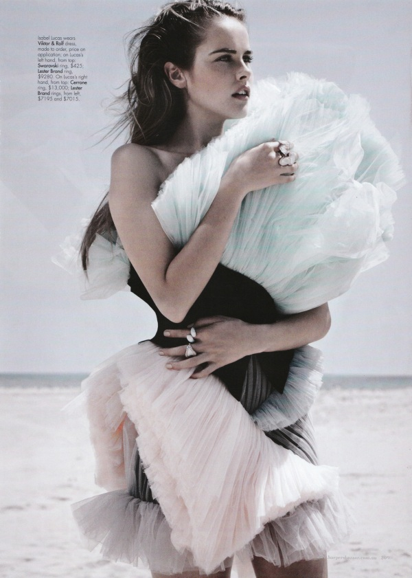 Isabel Lucas in Viktor & Rolf Spring Summer 2010 dress