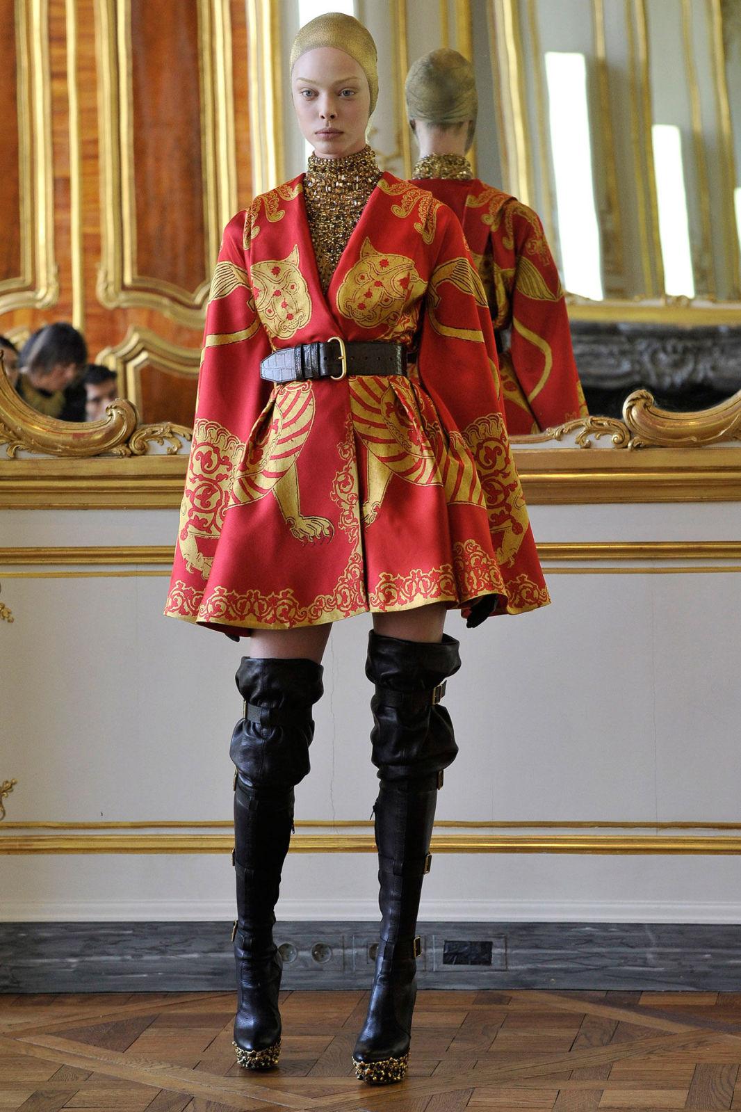 Fastion: Fashion Appreciation Lesson 50: Alexander McQueen Fall