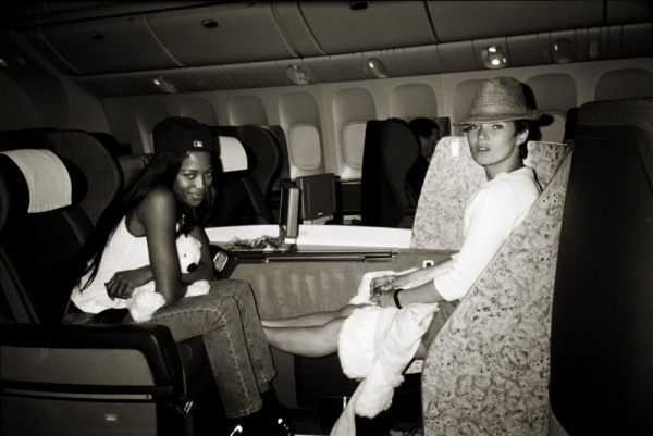 Kate Moss & Naomi Campbell Mario Testino on a plane picture