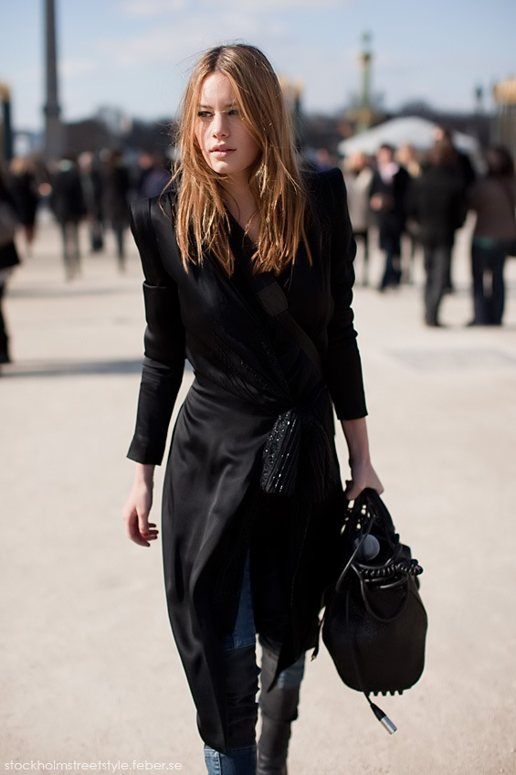 sharp shoulders street style picture