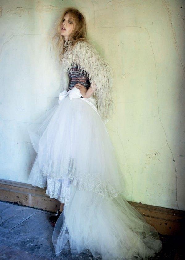 Julia Nobis by Derek Henderson Russh #34 June/July 2010 fashion editorial photograher stevie dance fashion editor