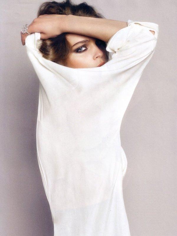 Kim Noorda by Txema Yeste Harper's Bazaar España June 2010