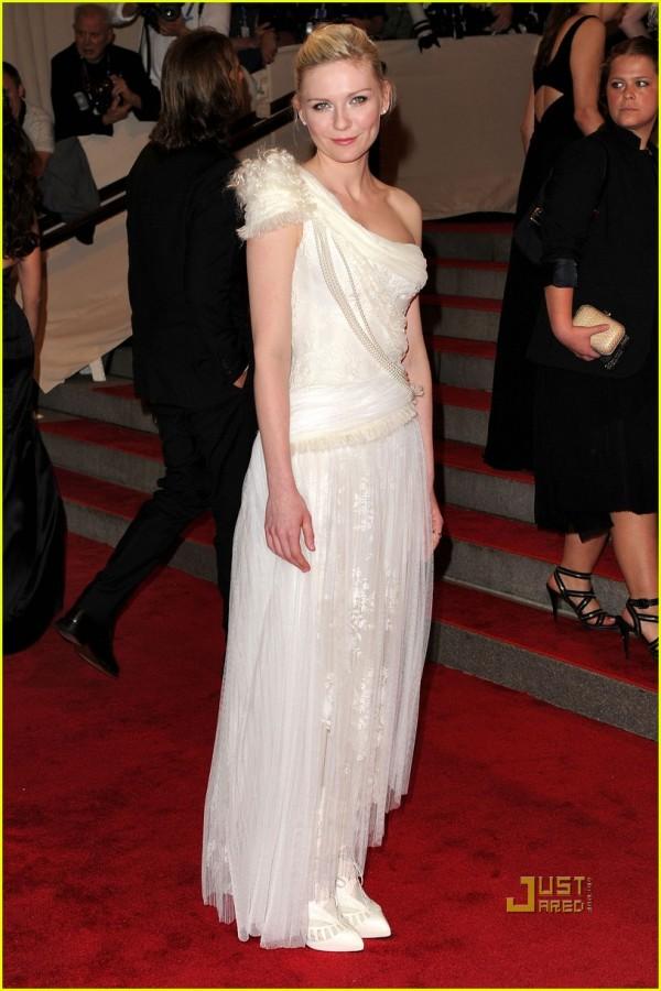 kirsten dunst actress met ball 2010 rodarte for gap dress