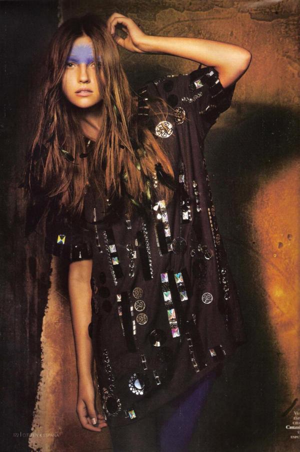 Claudia Merikula. Al son de los tambores. Citizen K SP Winter 07. Photographied by Txema Yeste fashion editorial hey crazy