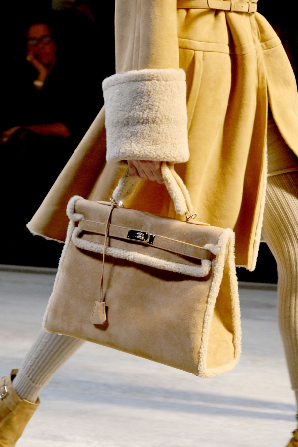 Hermes Kelly bag in Shearling