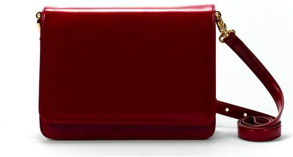 Red shoulder bag with gusset by Zara, minimal handbags, Celine,