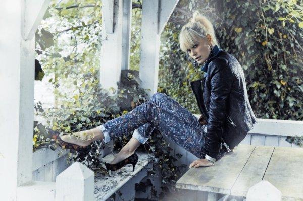Dewi Driegen by Taki Bibelas Marie Claire Italia October 2010 fashion editorial
