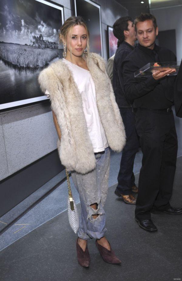 Gillian Zinser 91210 actress