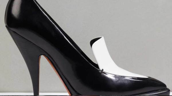 Celine 11cm pump in Black/White brushed calfskin leather, Celine Pre-Fall 2011