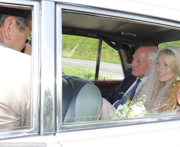 Kate Moss' wedding day, photographer Mario Testino, Vogue US, Kate Moss' dad Peter Moss, daughter Lila Grace