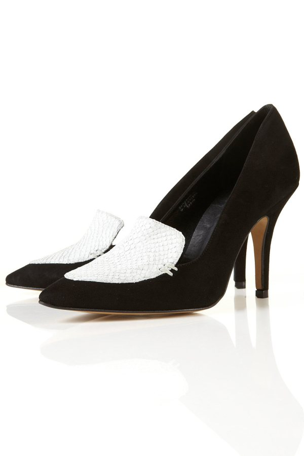 Topshop  black and white GARLAND POINTED COURT SHOES