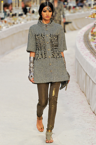 Chanel Pre-Fall 2012 PARIS, 6 December  2011 fashion collection runway show