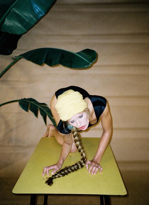 'Fruit'  Marlijn Hoek by Janneke van der Hagen  Deluxx Magazine #14 December 2011