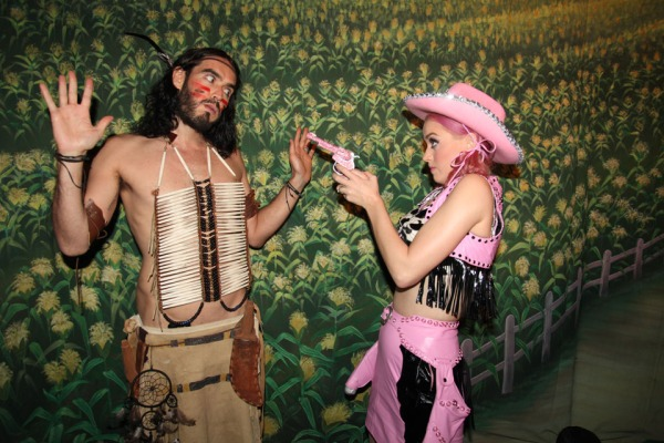 Katy Perry & Russell Brand, divorce, cobrasnake photographer