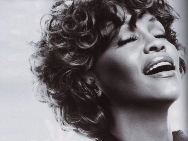 Whitney Houston 9 August 1963 - 11 February 2012, Whitney Houston dies at Beverly Hilton on eve of Grammy Awards